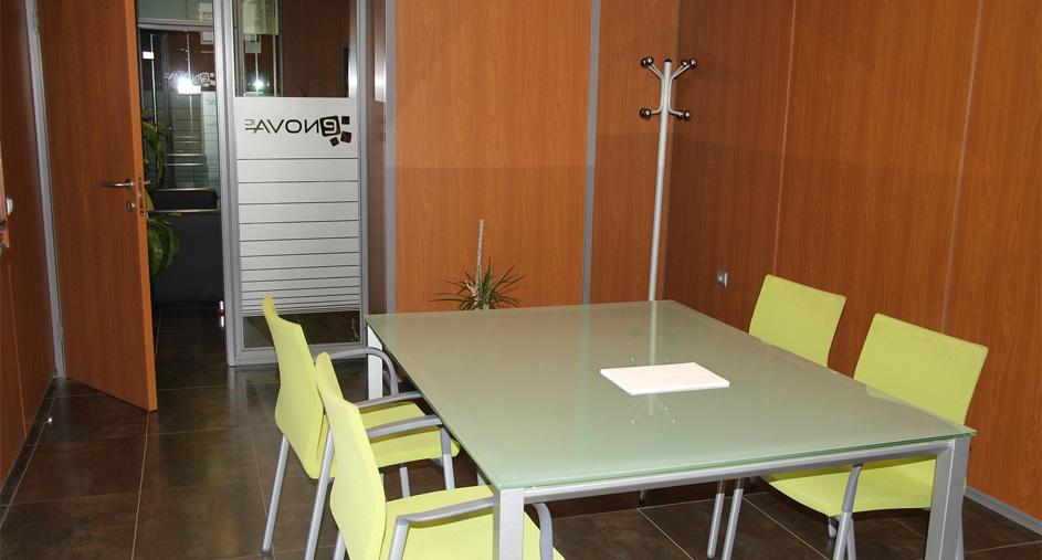 sala-reuniones-puerta